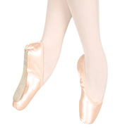 Wing Block Pointe Shoe