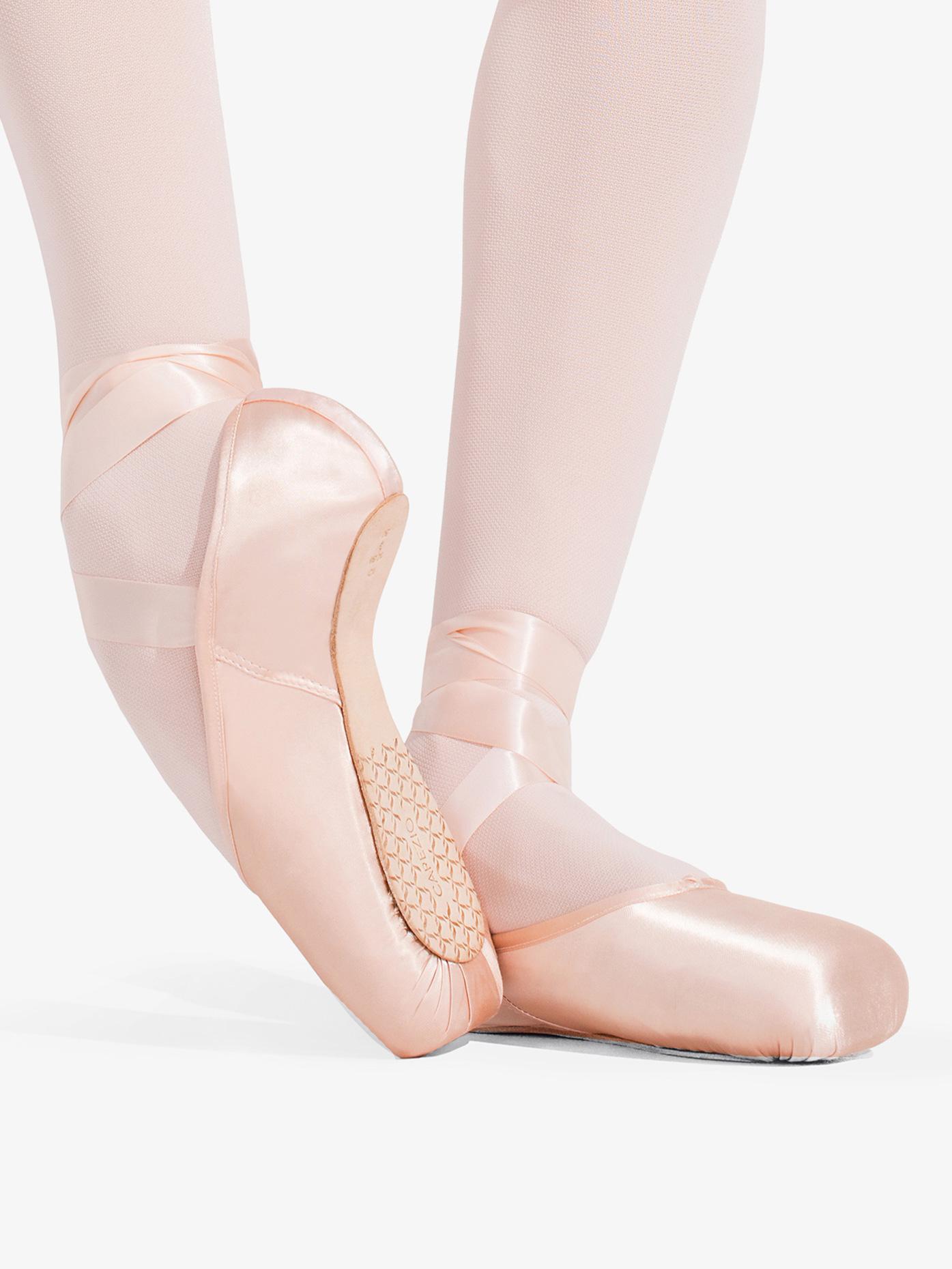 Capezio Womens Ava Broad Toe Pointe Shoes 1142W